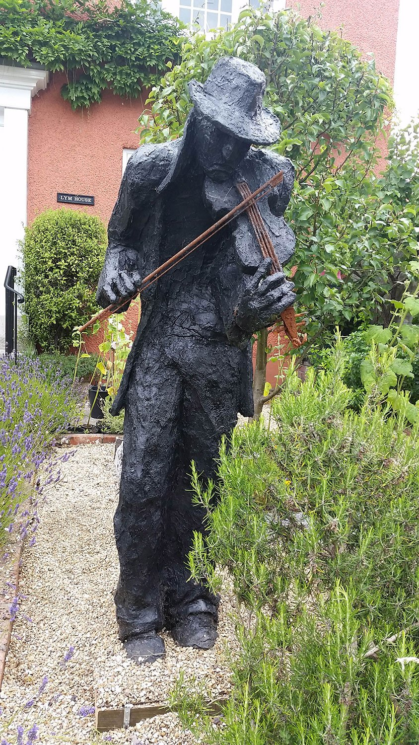 Fiddler Sculpture Greta Berlin